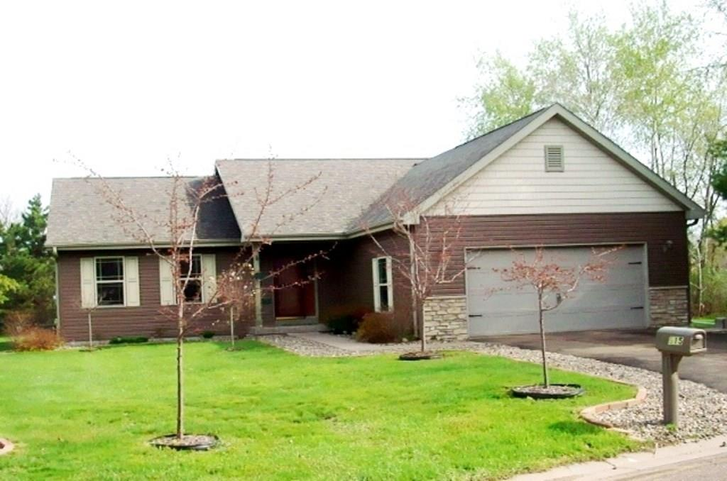 - 915 Pleasant View Court Menomonie