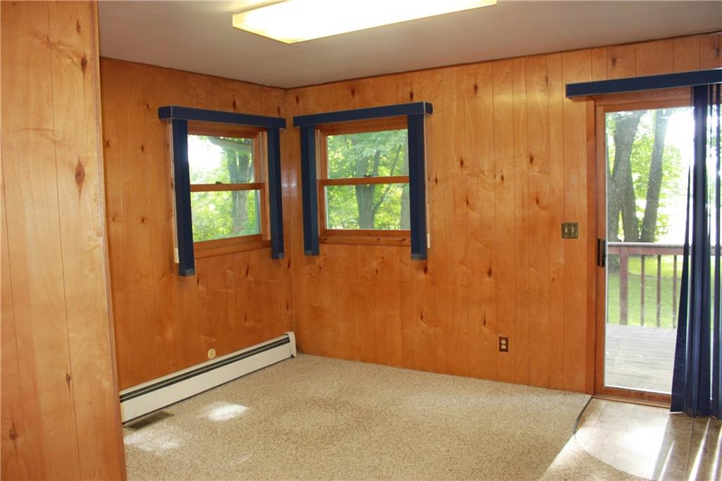 Office With Sliding Doors To Deck Area - 401 North Avenue Ladysmith