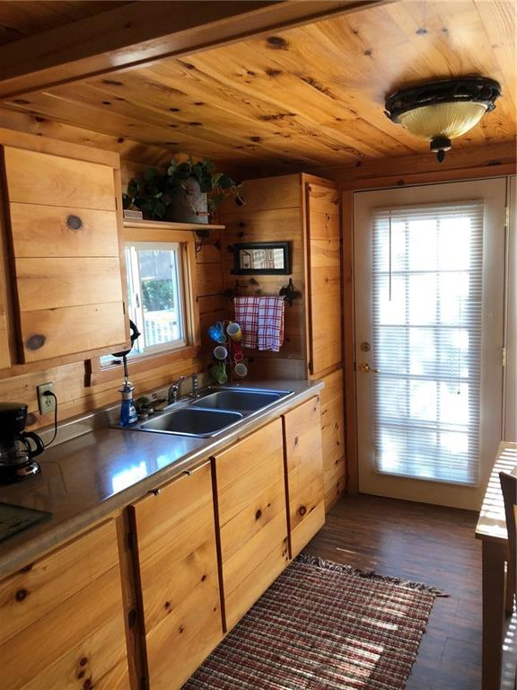 Tiny house living at it's best! - 2369 108th Street Luck
