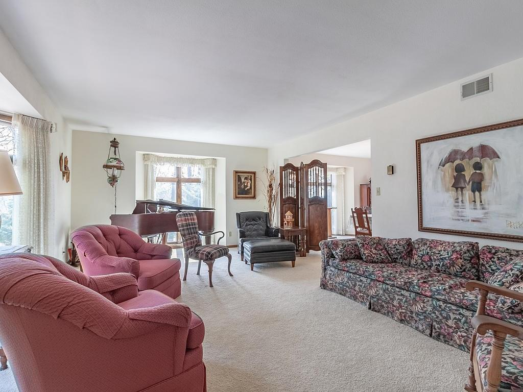 Grand main floor formal living room! - E4505 479th Avenue Menomonie