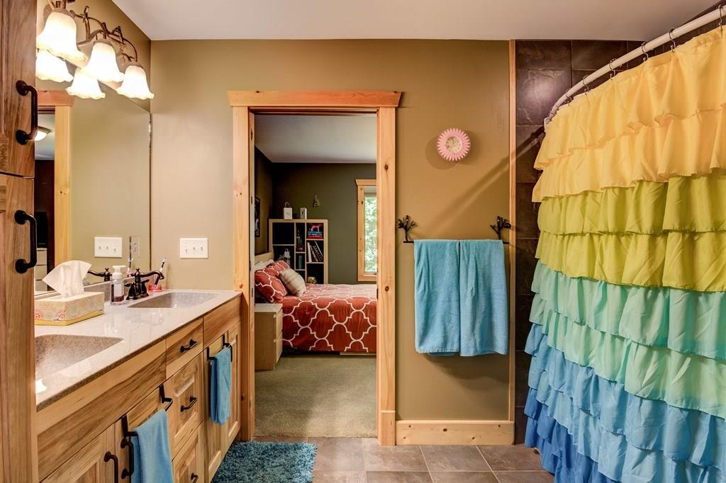 Jack and Jill Bathroom Configuration for two upstairs bedrooms - 2736 27 1/2 Avenue Birchwood