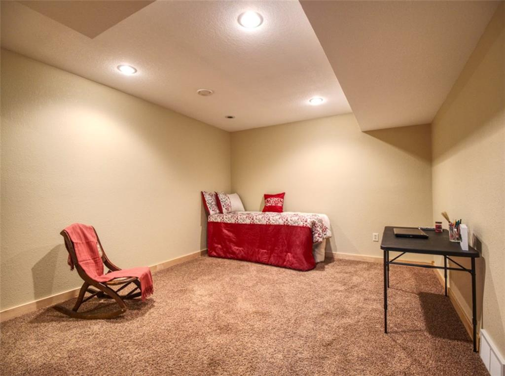 3rd Bedroom in lower level. - 15899 156th Street Bloomer