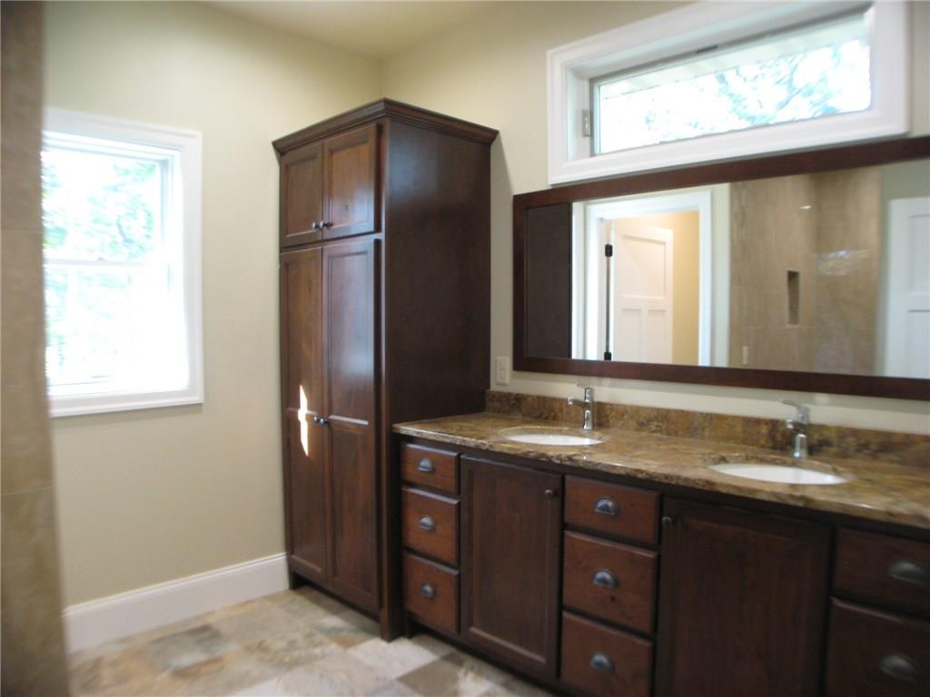 Master Bath - 4701 Oak Bluff Court Eau Claire
