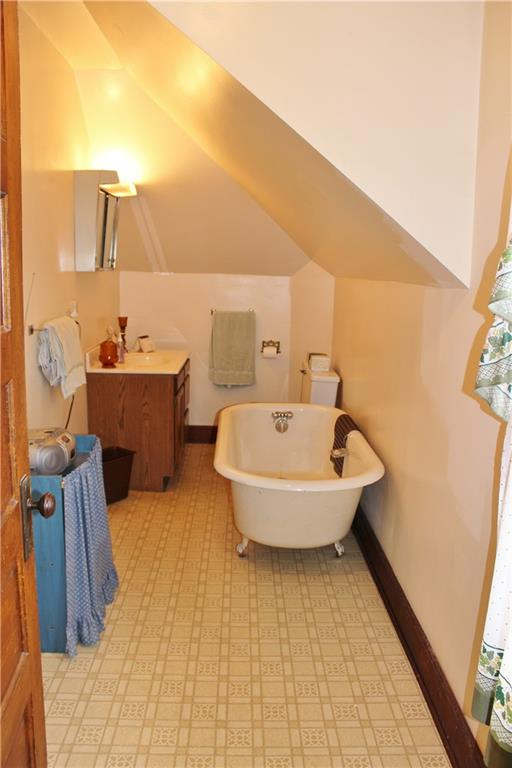 Upper bathroom. - 18696 Scranton Street Whitehall