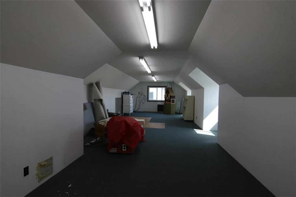 Upper level storage space. Approx 14x40 -- 560 Sq.ft. - 10411 State Hwy 27  Hayward